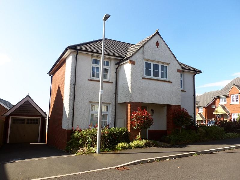 4 Bedrooms Detached House for sale in Rhodfa Morgan Drive, Llangunnor, Carmarthen, Carmarthenshire.