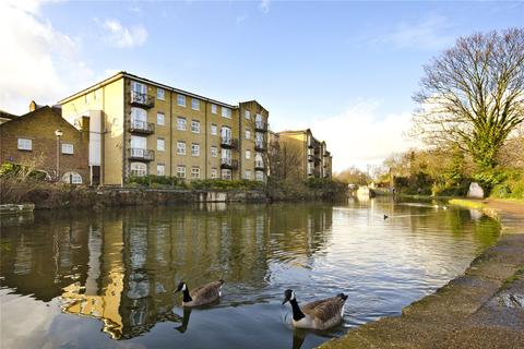 1 bedroom flat to rent - Twig Folly Close, London, E2