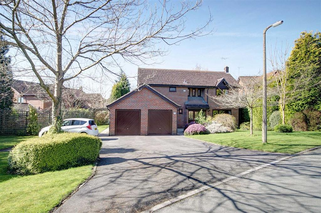 4 Bedrooms Detached House for sale in The Coppice, Hale Barns, Cheshire