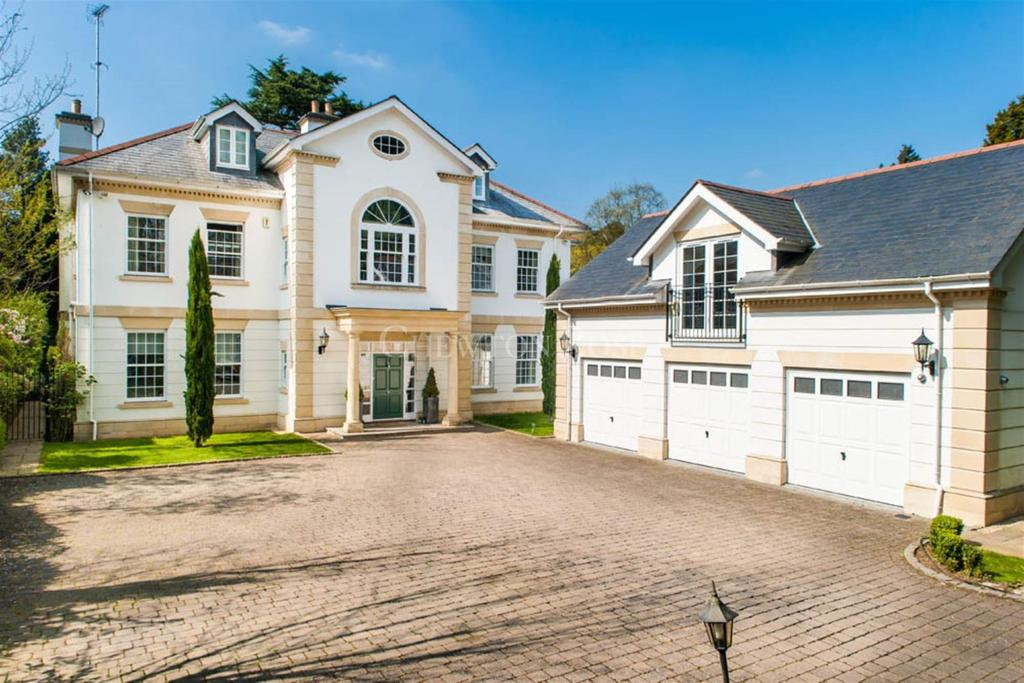 8 Bedrooms Detached House for sale in Friary Road, South Ascot