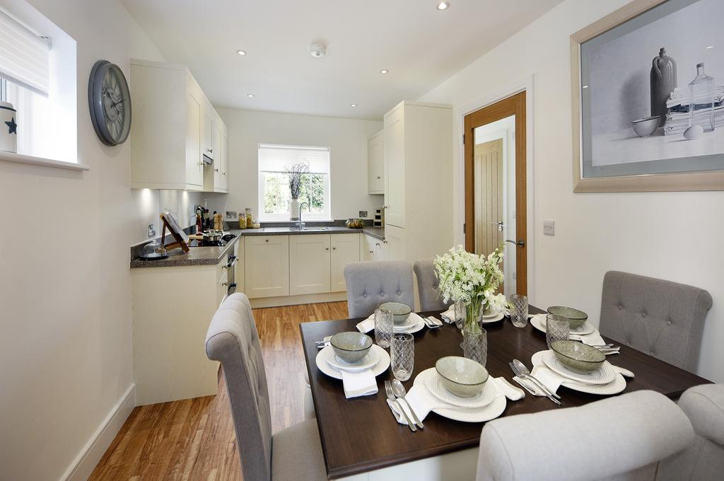 3 Bedrooms Semi Detached House for sale in The Street, Walberton, BN18