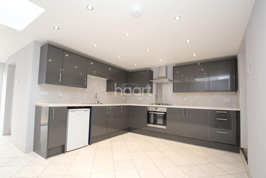3 Bedrooms End Of Terrace House for sale in Raymond Road, Upton Park