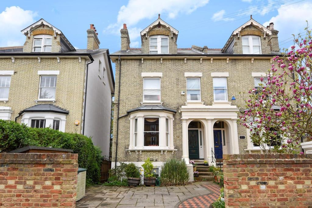 5 Bedrooms Semi Detached House for sale in Crescent Road, Kingston upon Thames