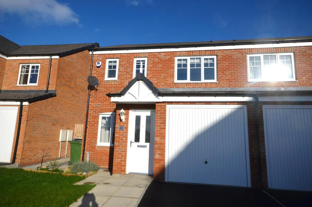 3 Bedrooms Semi Detached House for rent in Birtley