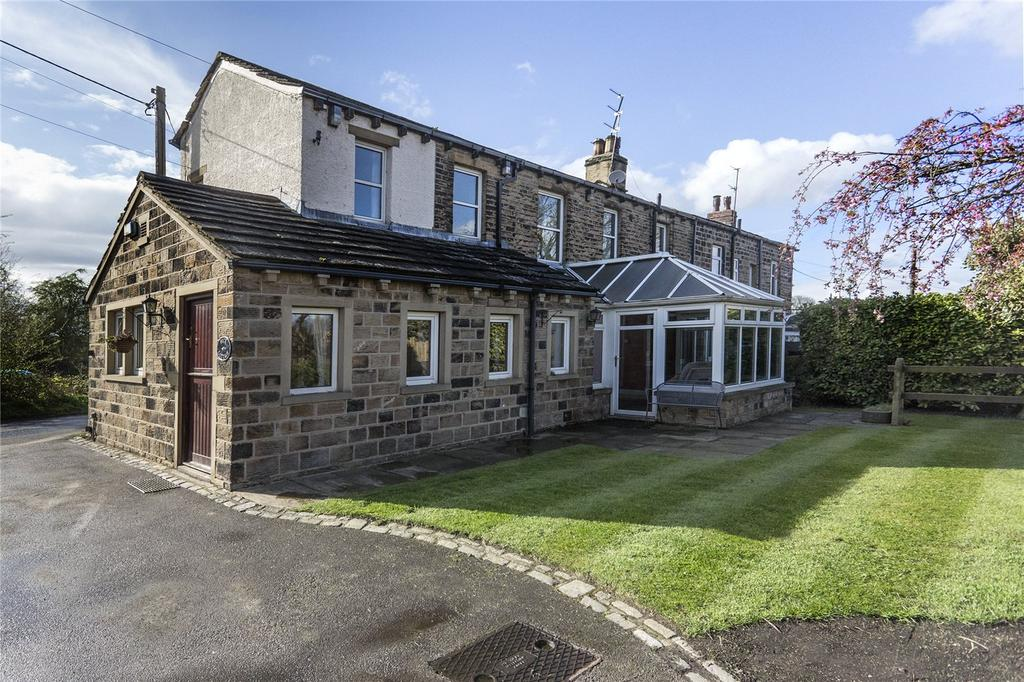 3 Bedrooms Cottage House for sale in Hagg Lane, (Off Steanard Lane), Mirfield, West Yorkshire, WF14