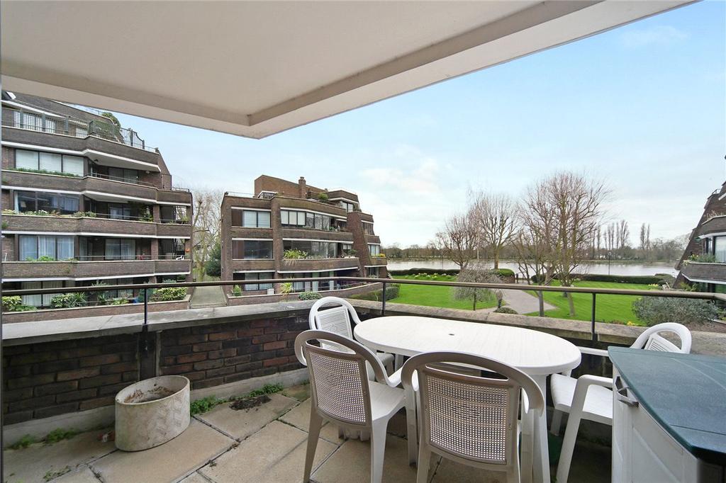 3 Bedrooms Apartment Flat for sale in Alder Lodge, 73 Stevenage Road, London, SW6