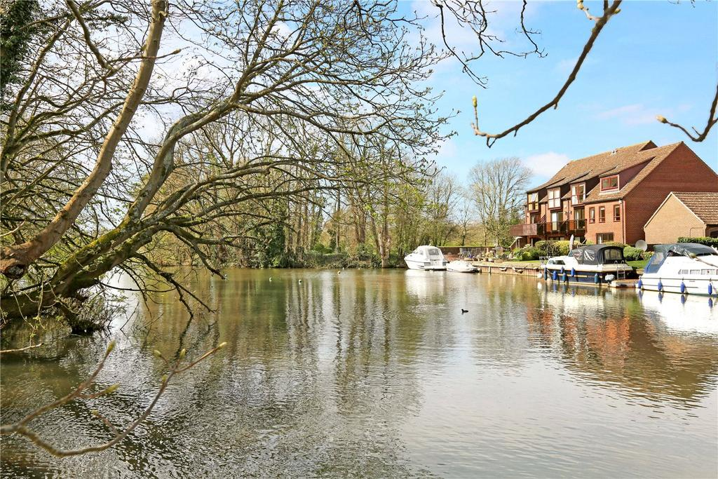 3 Bedrooms Terraced House for sale in Stable Cottages, Temple Lane, Temple, Marlow, SL7