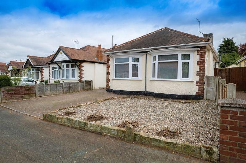 3 Bedrooms Detached Bungalow for sale in Rowan Crescent, Bradmore, Wolverhampton