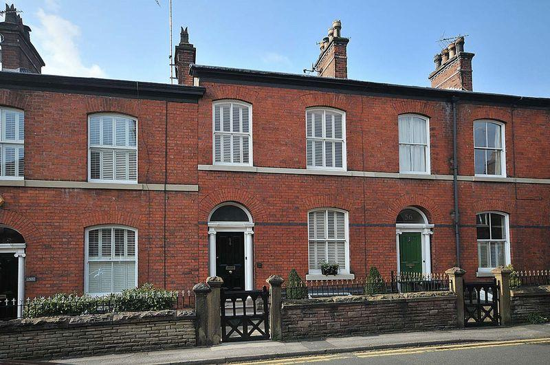 4 Bedrooms Terraced House for sale in Prestbury Road, Macclesfield