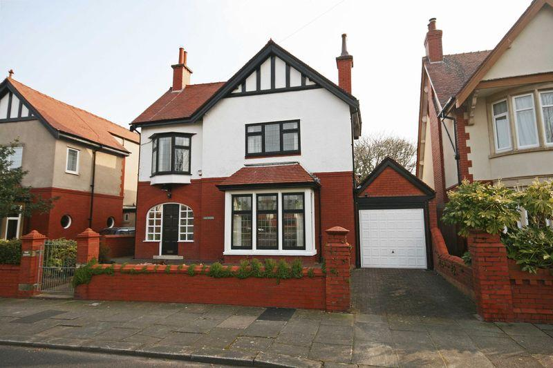 4 Bedrooms Detached House for sale in St Clements Avenue, Blackpool