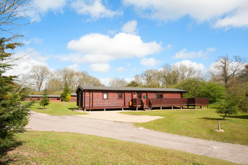 3 Bedrooms Chalet House for sale in Romsey Road, Pitt, Winchester, SO22