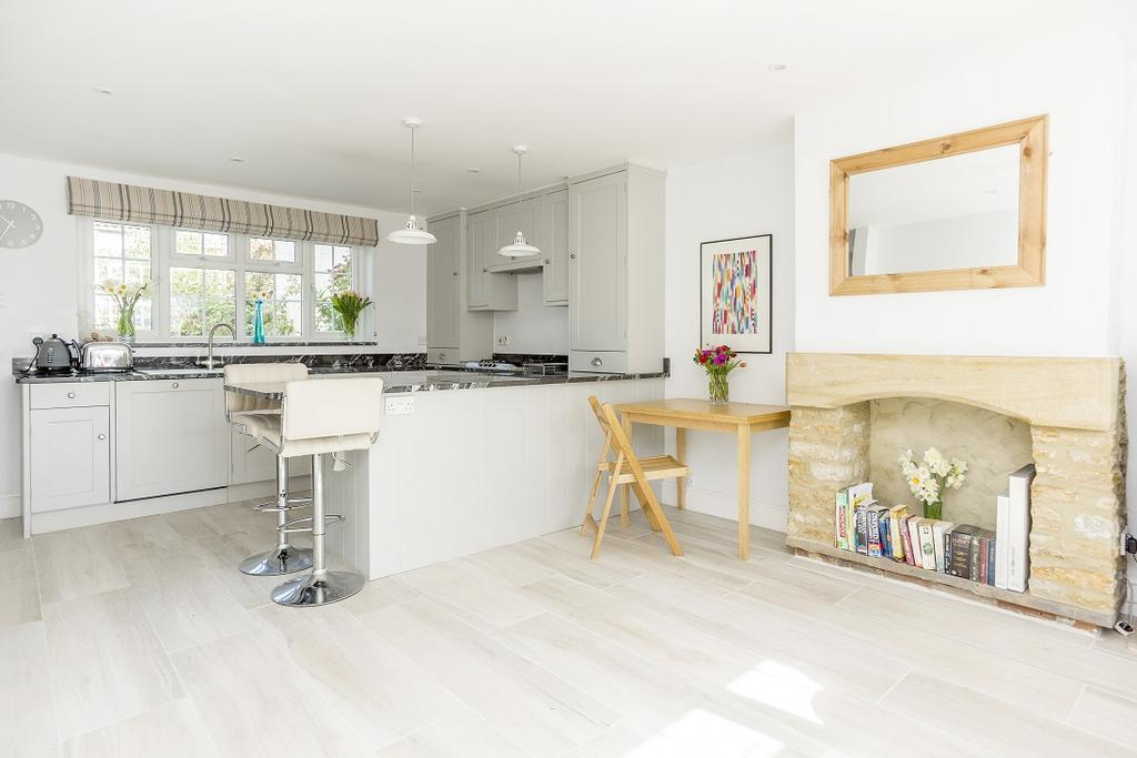 2 Bedrooms Terraced House for sale in Hound Street, Sherborne