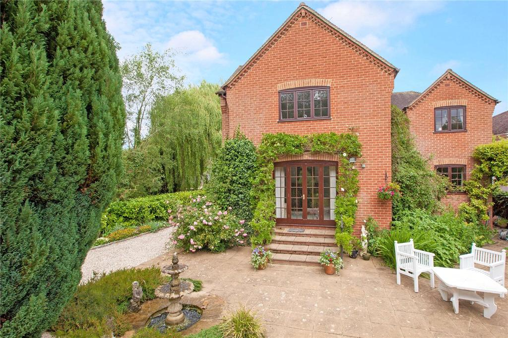 5 Bedrooms Detached House for sale in Donnington, Newbury, Berkshire, RG14