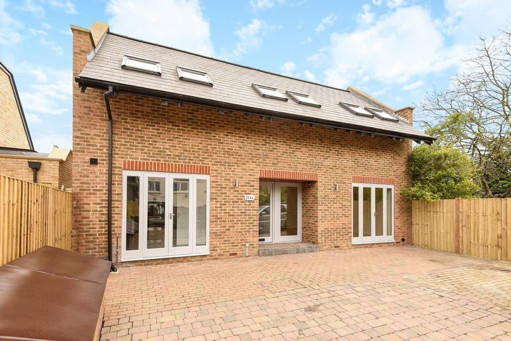 3 Bedrooms Detached House for sale in Hartfield Road, Wimbledon, SW19