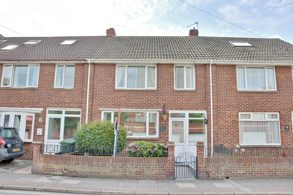 3 Bedrooms Terraced House for sale in Burgoyne Road, Southsea