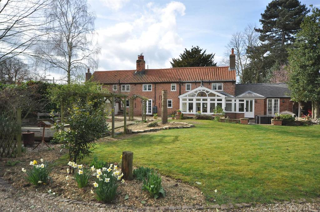 4 Bedrooms Detached House for sale in Ferry Lane, Carlton-On-Trent, Newark
