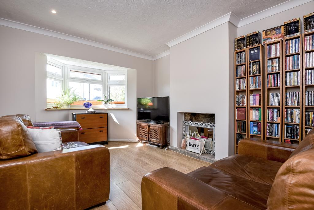 3 Bedrooms Semi Detached House for sale in Flamsteed Road, London, SE7