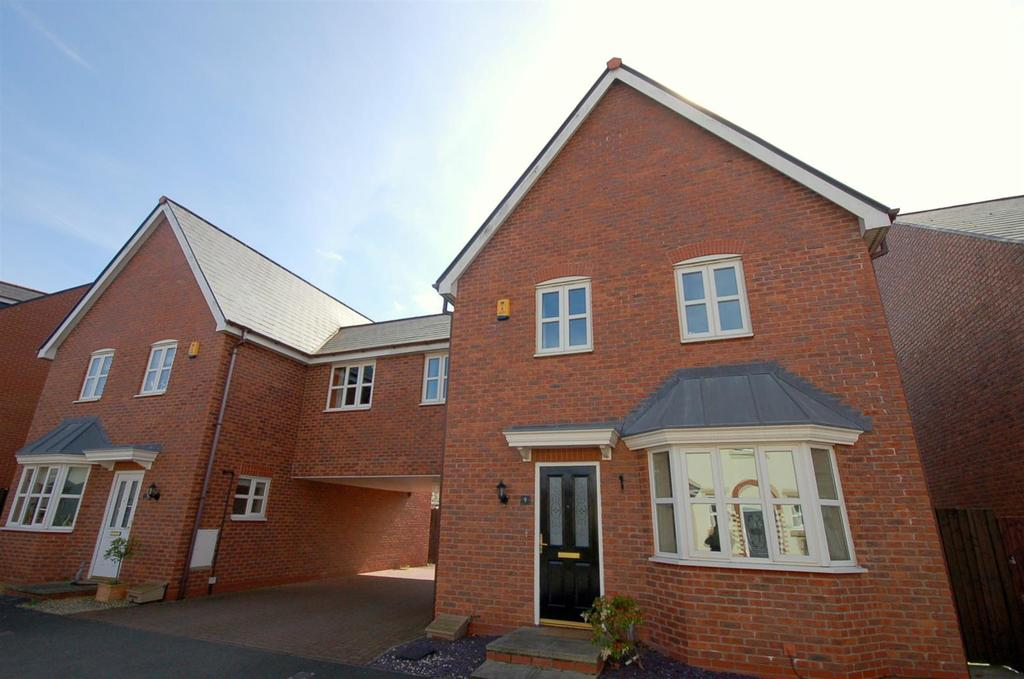 4 Bedrooms Link Detached House for sale in Parklands Drive, Wychwood Village