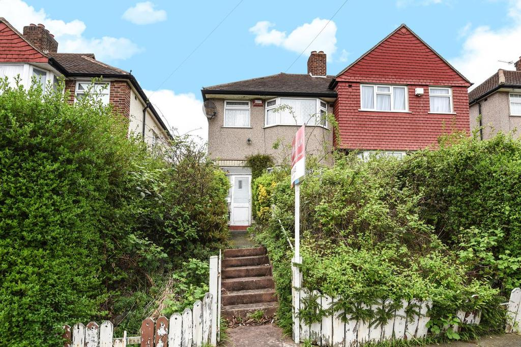 3 Bedrooms Semi Detached House for sale in Oldstead Road, Bromley