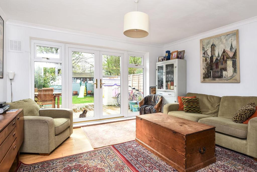 3 Bedrooms Terraced House for sale in Bertal Road, Tooting, SW17