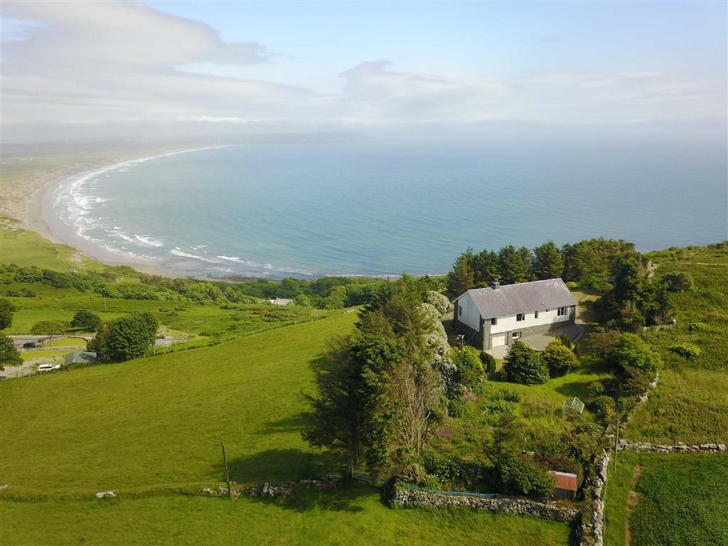 2 Bedrooms Land Commercial for sale in Rhiw