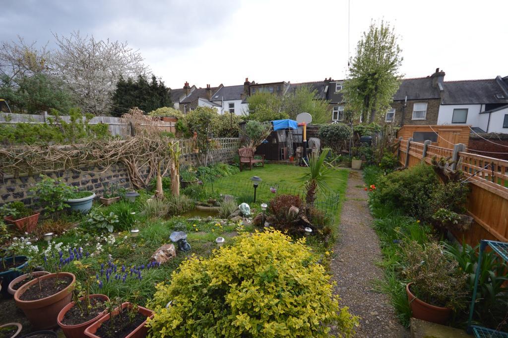 3 Bedrooms End Of Terrace House for sale in Horsmonden Road Crofton Park SE4