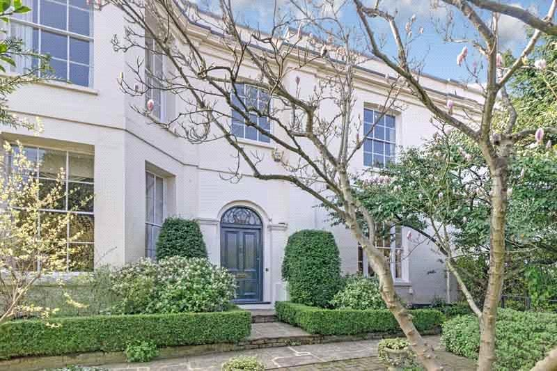 5 Bedrooms Semi Detached House for sale in Highgate West Hill, Highgate, London, N6