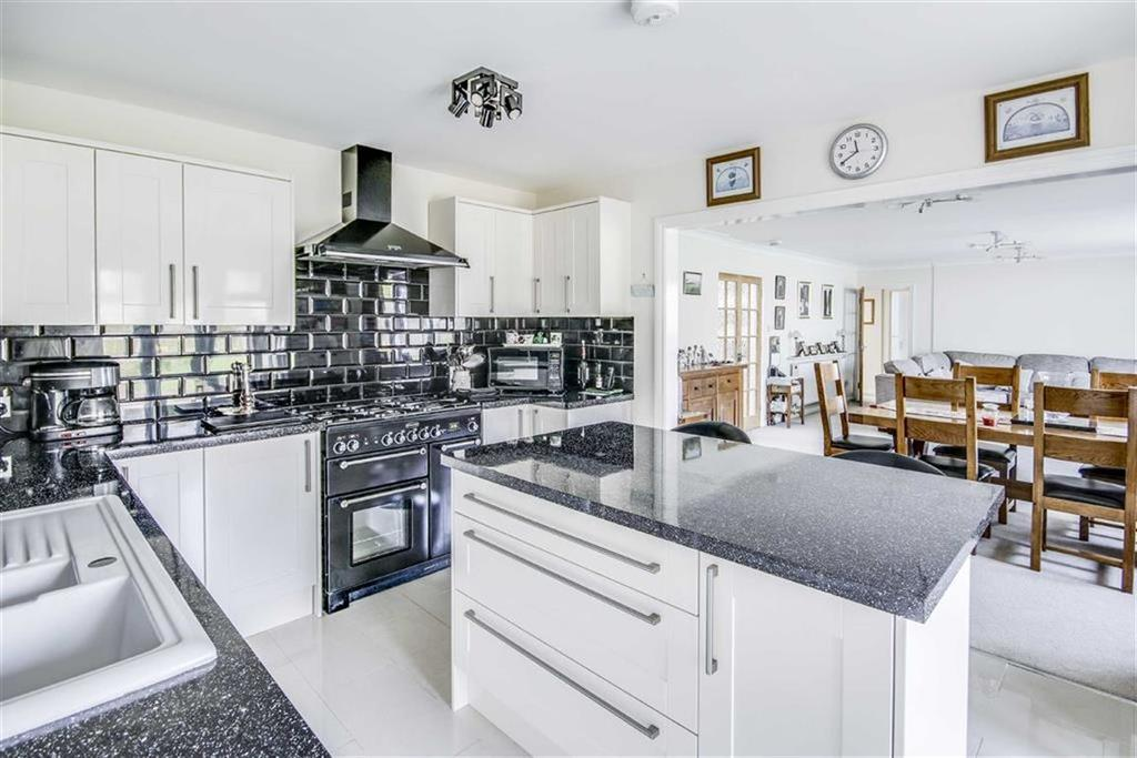 5 Bedrooms Detached Bungalow for sale in Darwall Drive, SEAFORD