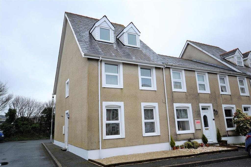 4 Bedrooms Town House for sale in Narberth