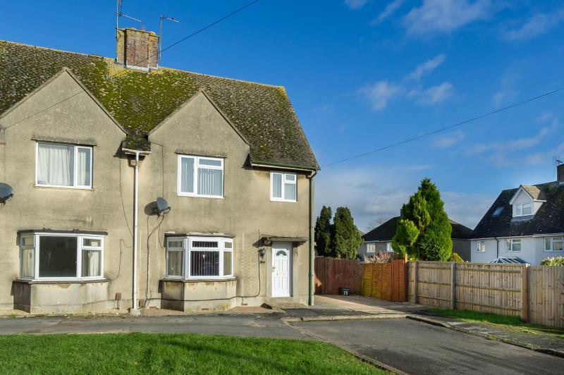 3 Bedrooms Semi Detached House for sale in Westfield Road, Witney, Oxfordshire