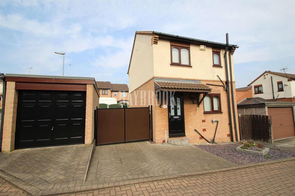 2 Bedrooms Detached House for sale in Pine Walk, Swinton