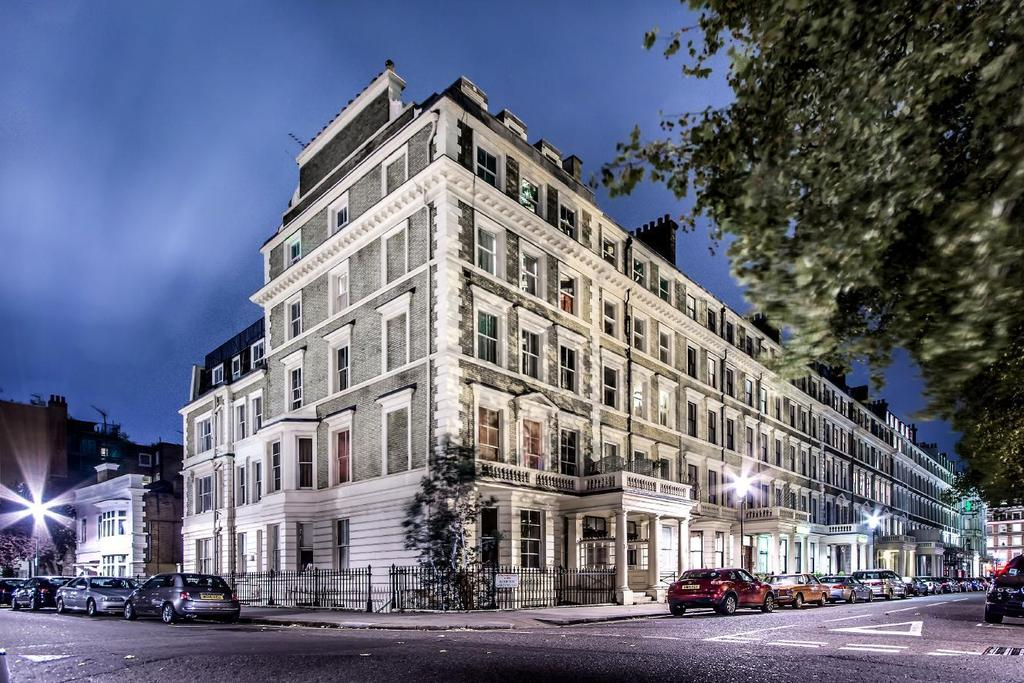 3 Bedrooms Flat for sale in Ashburn Gardens, South Kensington