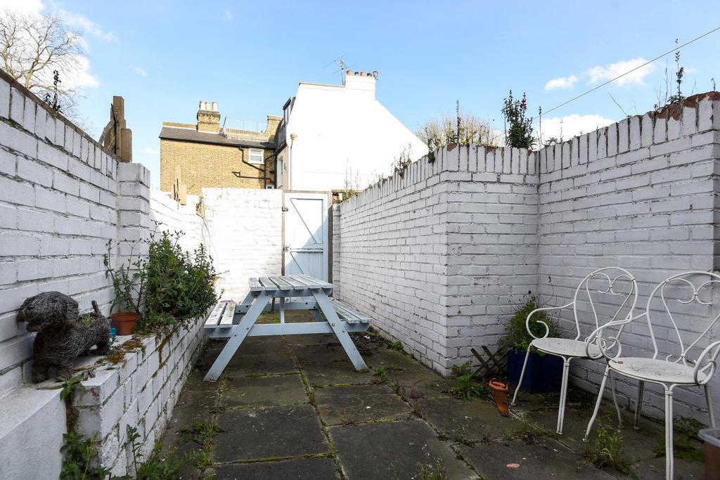 1 Bedroom Flat for sale in Lindore Road, Battersea