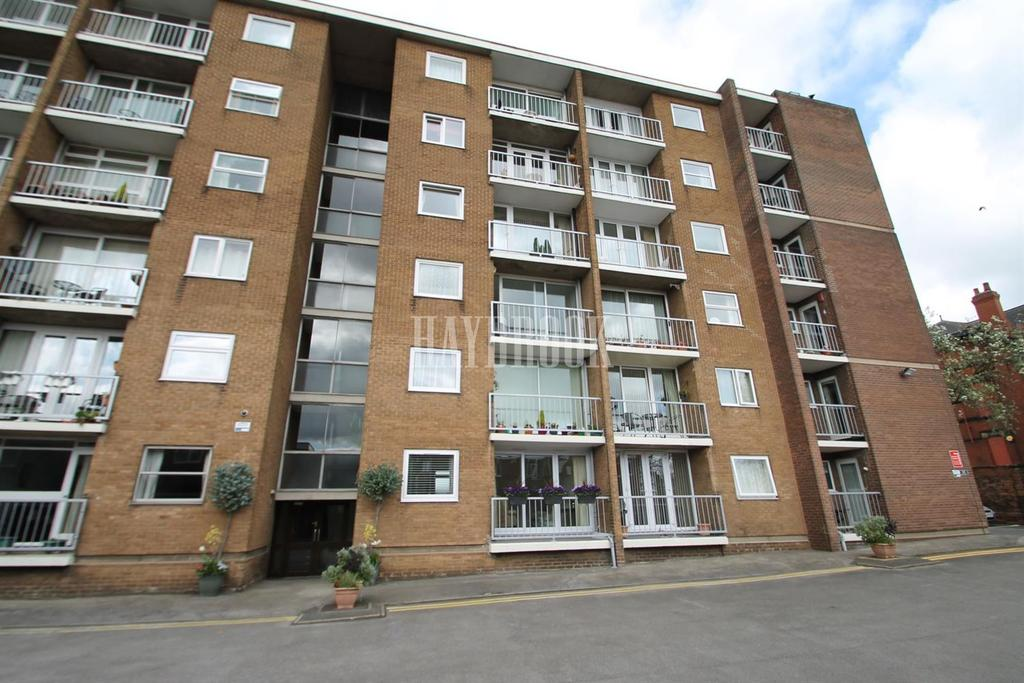 2 Bedrooms Flat for sale in Beechwood Lodge, Rotherham
