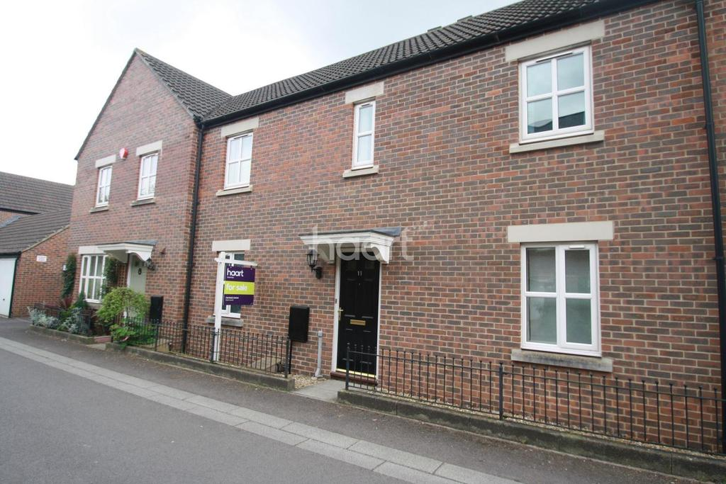 4 Bedrooms Terraced House for sale in Geoffrey Farrant Walk, Taunton