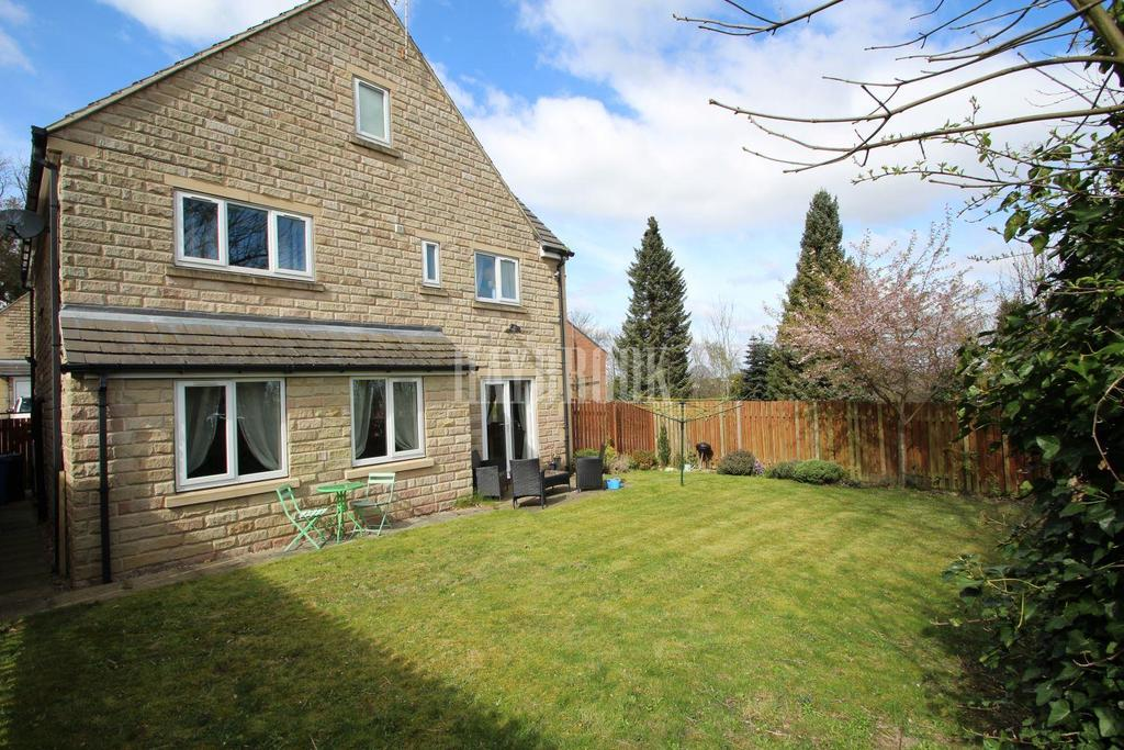 5 Bedrooms Detached House for sale in Woodland Court, Burncross