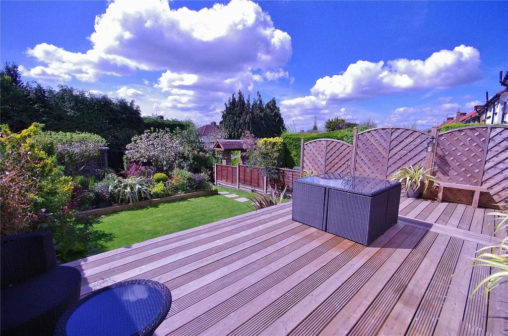 3 Bedrooms Semi Detached House for sale in Blackwell Drive, Watford, Hertfordshire, WD19