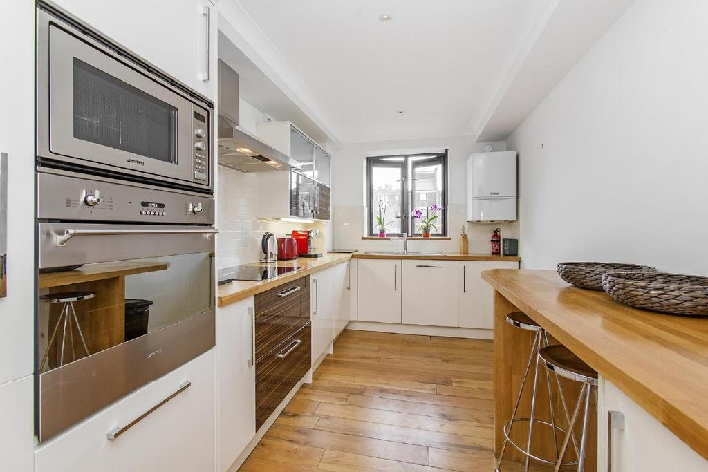 2 Bedrooms Flat for sale in Pembroke Road, Kensington