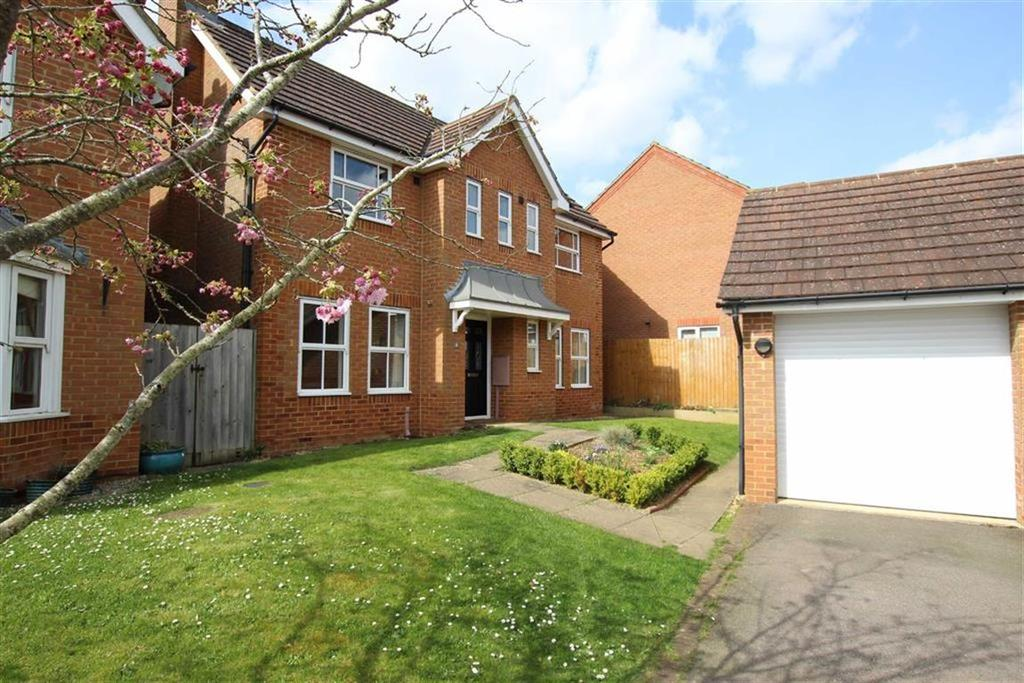3 Bedrooms Detached House for sale in 8, Woodpecker Close, Brackley