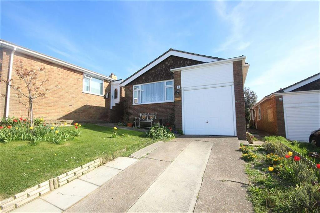 3 Bedrooms Detached Bungalow for sale in Howey Close, Newhaven