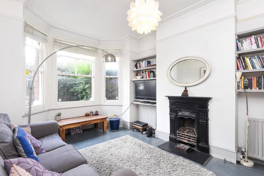 2 Bedrooms Maisonette Flat for sale in Valetta Road, Acton