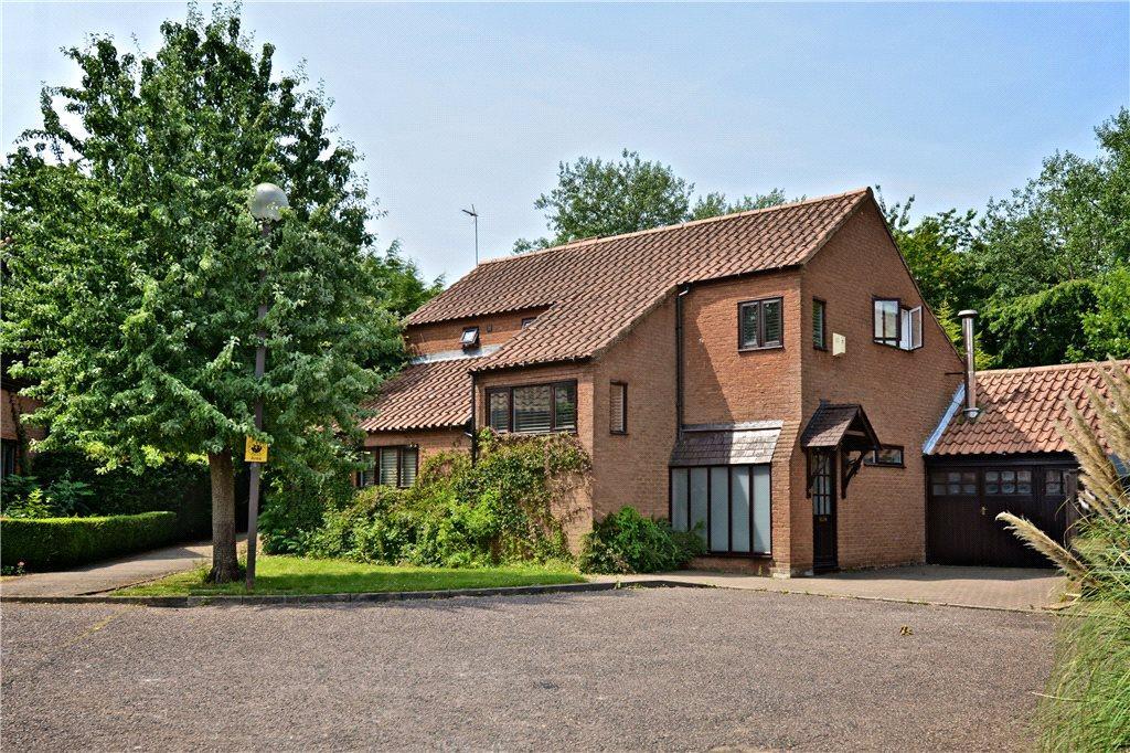 4 Bedrooms Detached House for sale in Kindleton, Great Linford, Milton Keynes, Buckinghamshire