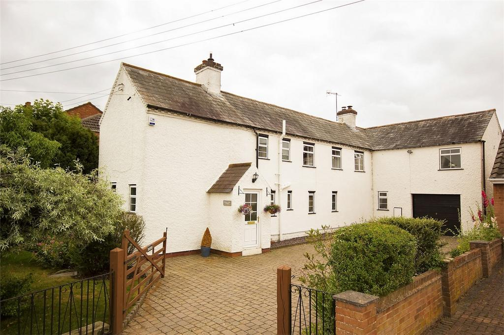 4 Bedrooms Detached House for sale in Wadborough Road, Littleworth, Worcester