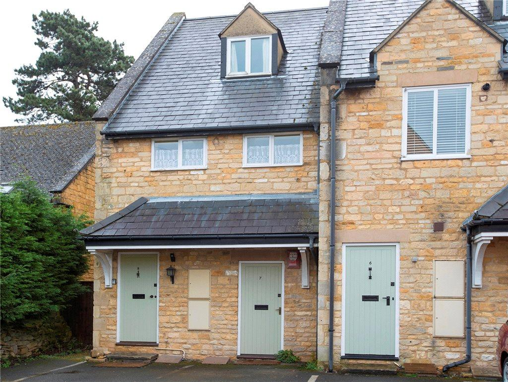 2 Bedrooms Flat for sale in The Huntings, Church Close, Broadway, Worcestershire, WR12