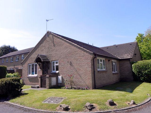 2 Bedrooms Semi Detached Bungalow for sale in Calder Drive,Walmley,Sutton Coldfield