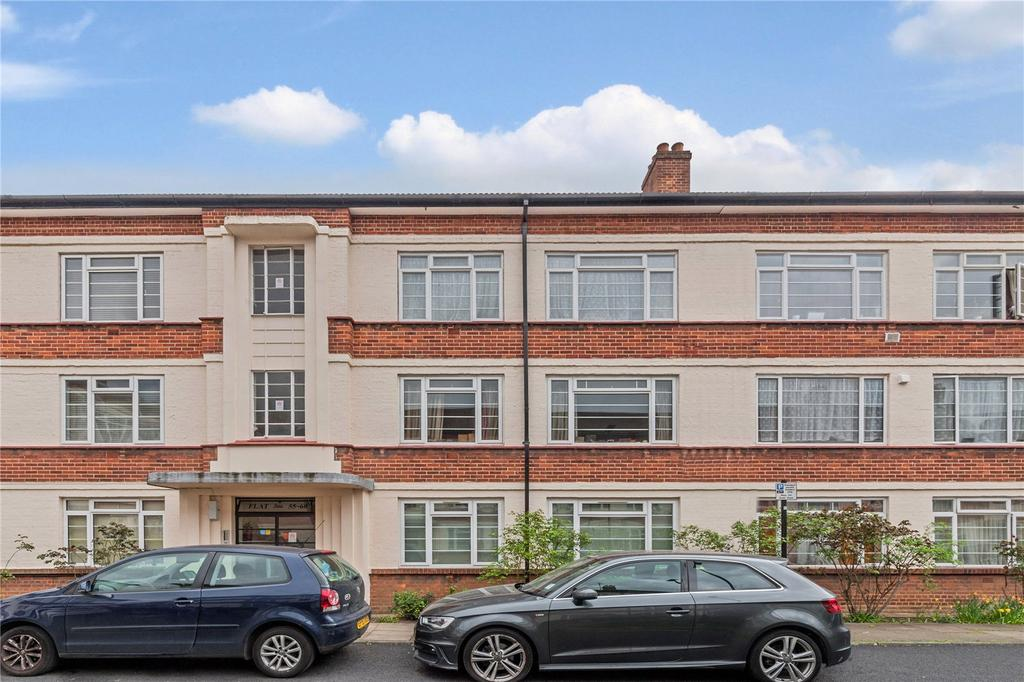 2 Bedrooms Flat for sale in Manor Vale, Boston Manor Road, Brentford, Middlesex