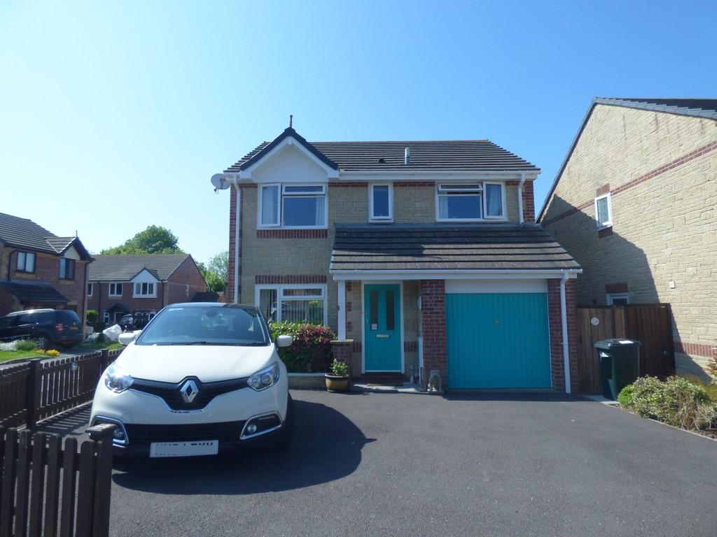 4 Bedrooms Detached House for sale in Long Barton, Kingsteignton, TQ12 3QP