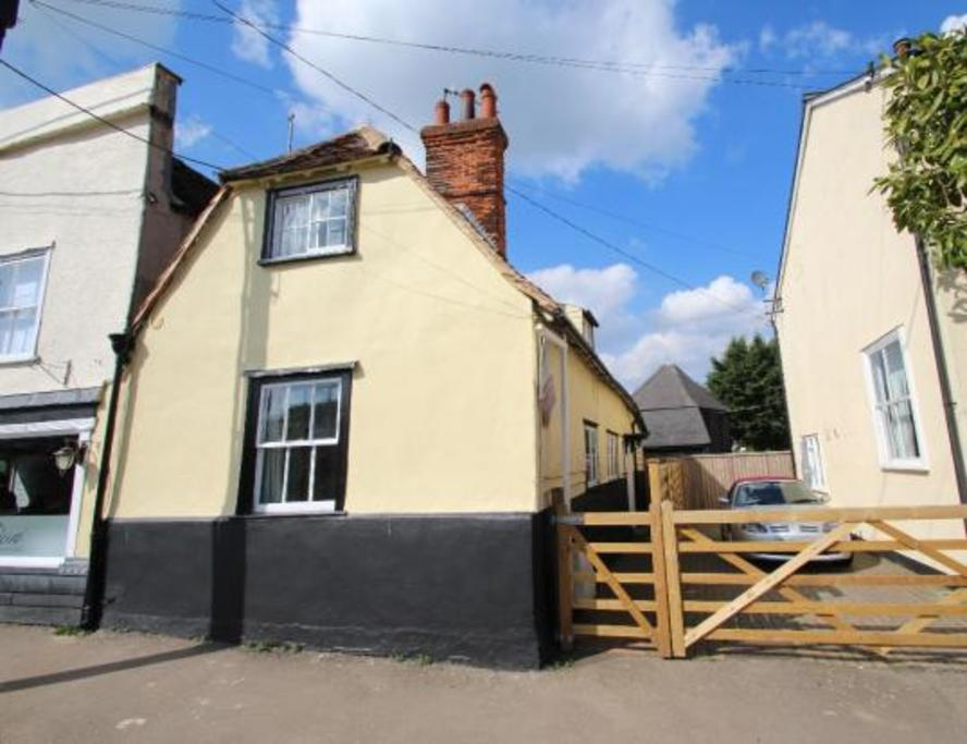 2 Bedrooms Semi Detached House for sale in The Street, Braintree, CM77
