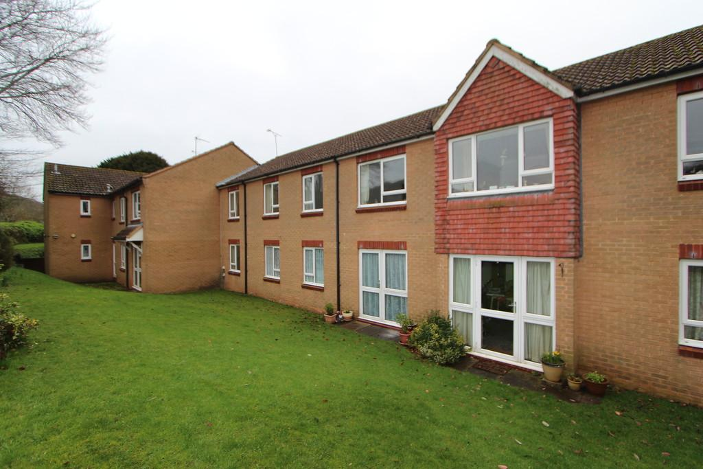 1 Bedroom Apartment Flat for sale in Over 55's development in Wrington