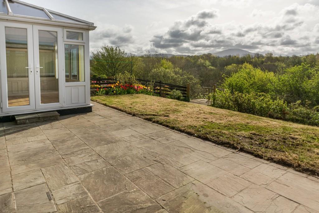 3 Bedrooms Semi Detached House for sale in Tyddyn Llwydyn, Caernarfon, North Wales